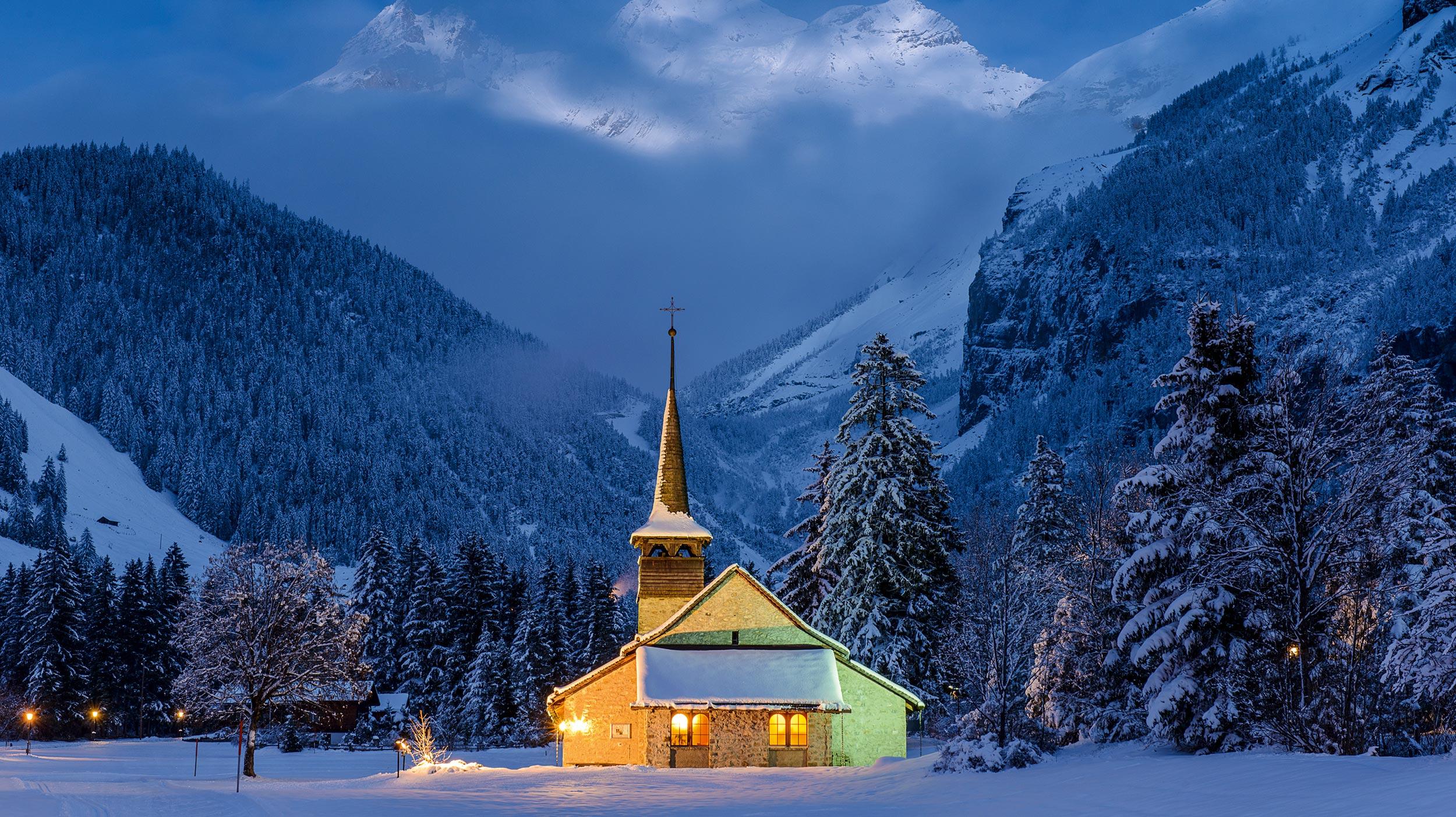 Winterwunderland in Eis und Schnee