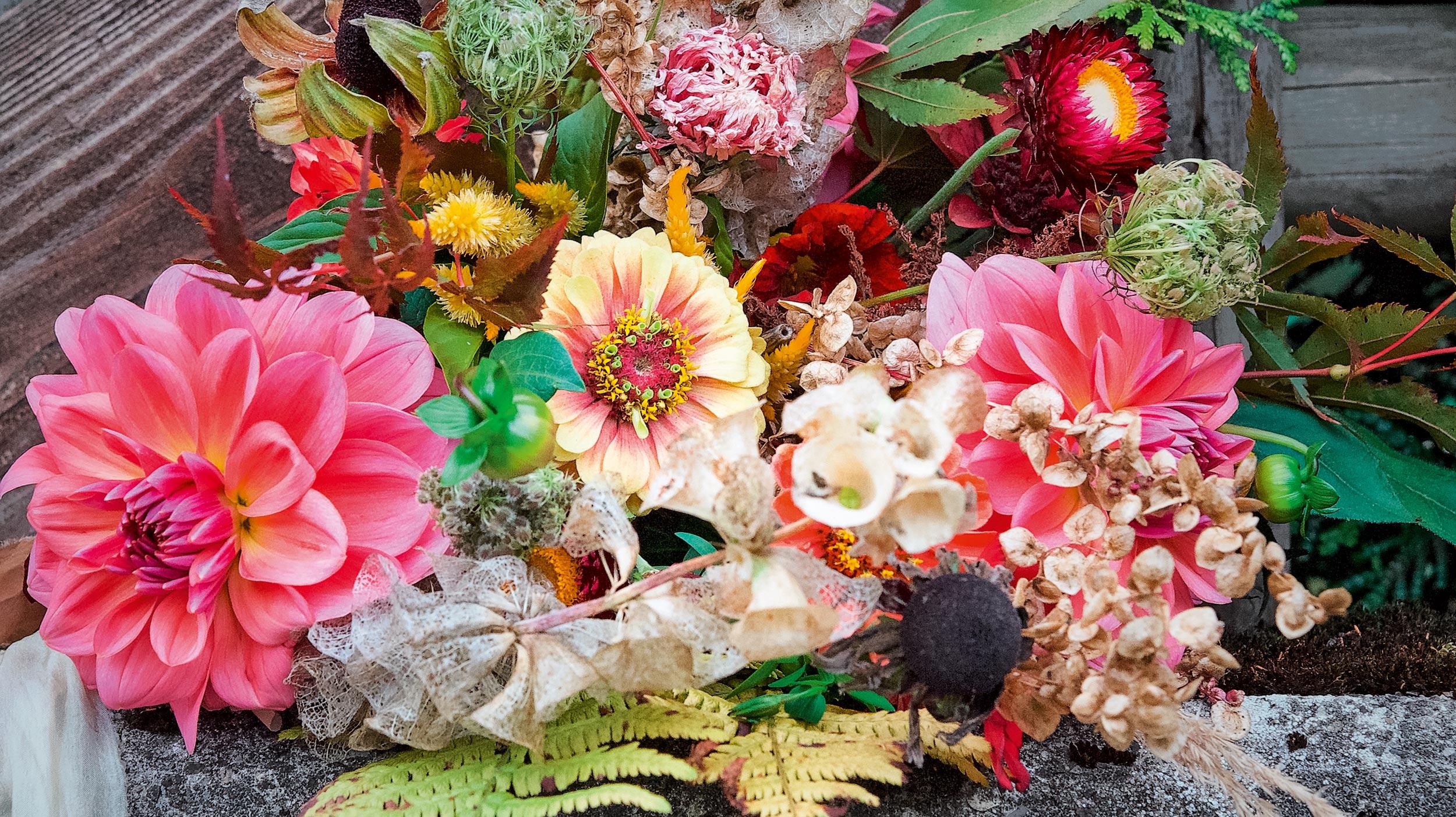 Herbstlicher Blumenstrauss aus Slowflowers
